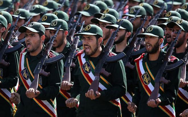 """200 vụ không kích của Israel chưa """"tống cổ"""" được Iran ra khỏi Syria: Tại sao?"""