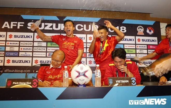 HLV Park Hang Seo: Đến thời Việt Nam là trung tâm bóng đá châu Á - Ảnh 1.