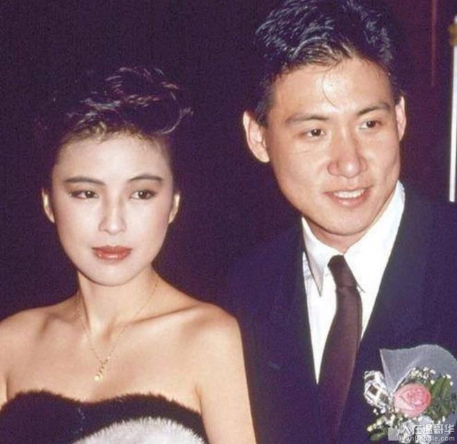 Cuộc hôn nhân tròn đầy hơn 30 năm của Thiên vương Hong Kong Trương Học Hữu: Bà xã đẹp ngang ngửa Trương Mạn Ngọc, hi sinh cả sự nghiệp vì chồng con - Ảnh 5.