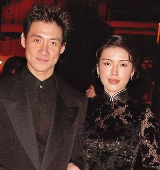 Cuộc hôn nhân tròn đầy hơn 30 năm của Thiên vương Hong Kong Trương Học Hữu: Bà xã đẹp ngang ngửa Trương Mạn Ngọc, hi sinh cả sự nghiệp vì chồng con - Ảnh 6.