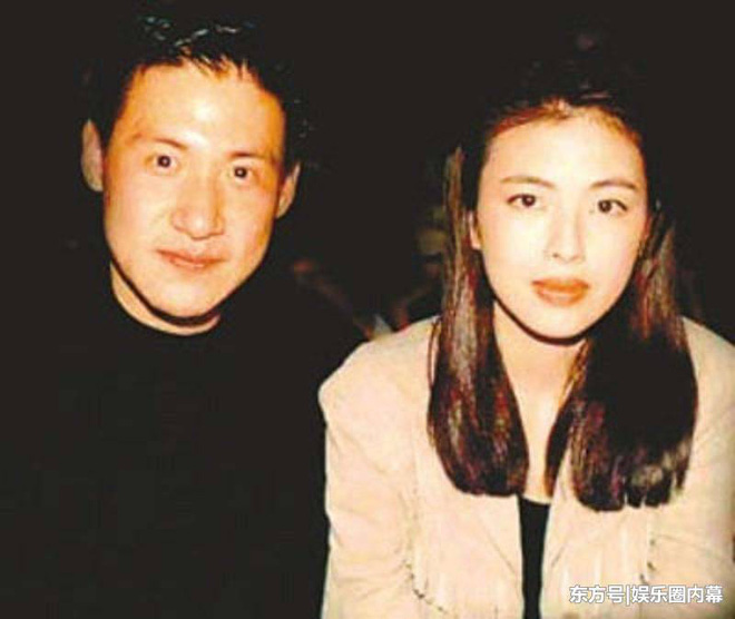 Cuộc hôn nhân tròn đầy hơn 30 năm của Thiên vương Hong Kong Trương Học Hữu: Bà xã đẹp ngang ngửa Trương Mạn Ngọc, hi sinh cả sự nghiệp vì chồng con - Ảnh 8.