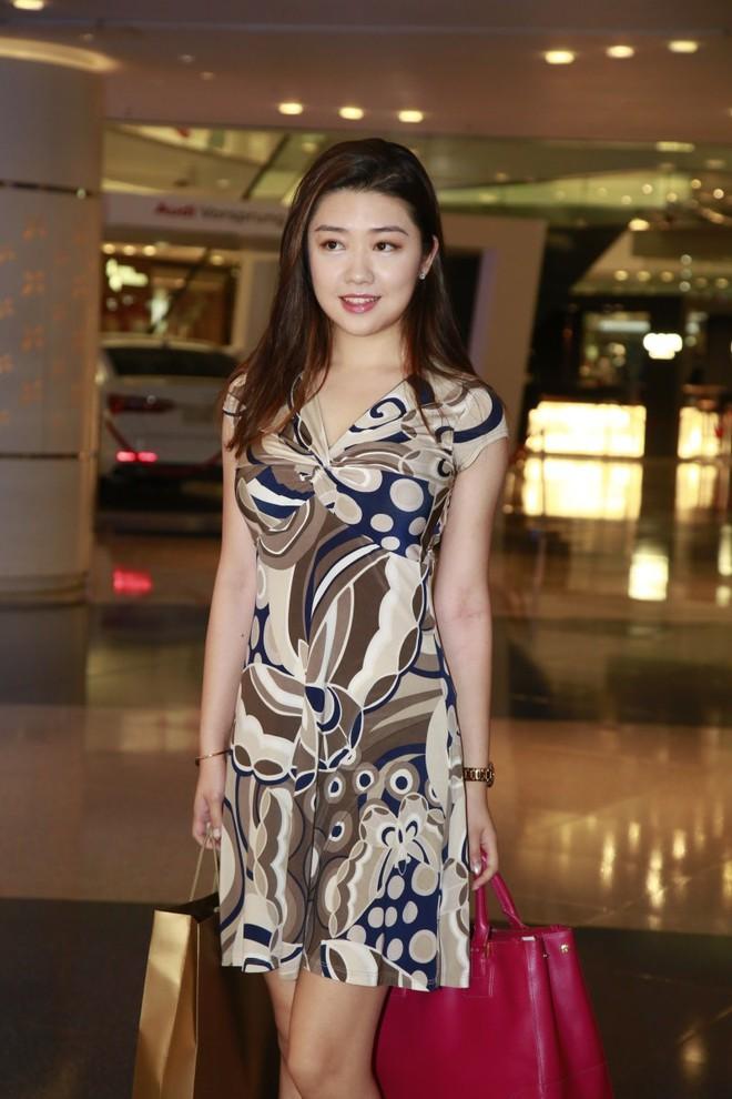 Nhan sắc gây thất vọng của dàn thí sinh top 15 Hoa hậu Hong Kong - Ảnh 3.