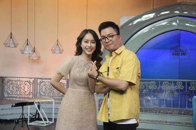 Mặc áo dài trắng được nhận xét giống Chi Pu, cô gái hóa ra là gương mặt quen với thành tích khủng - Ảnh 7.
