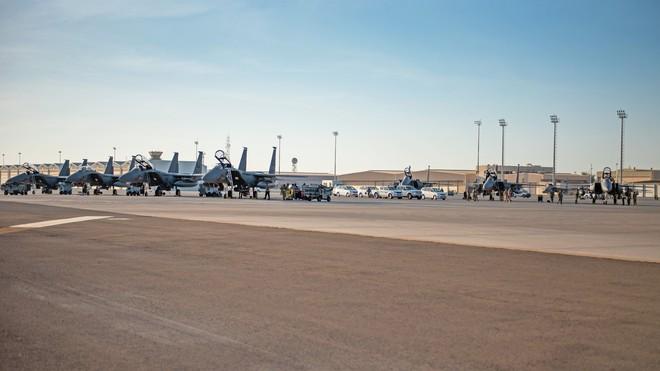Mỹ vét sạch F-15E hiện đại nhất đến Trung Đông: Phủ đầu Iran hay quảng cáo vũ khí? - Ảnh 1.