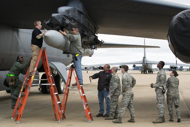 Mỹ vét sạch F-15E hiện đại nhất đến Trung Đông: Phủ đầu Iran hay quảng cáo vũ khí? - Ảnh 4.