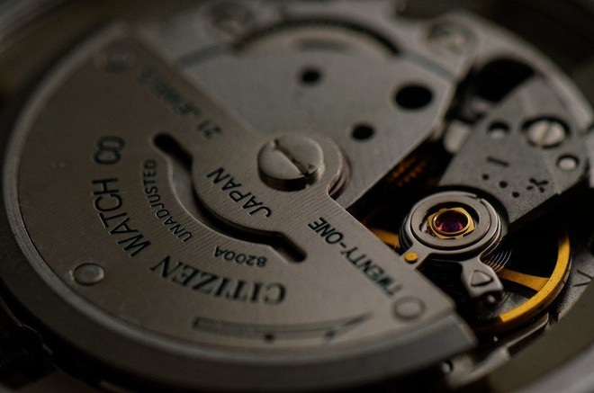 Cách chỉnh ngày giờ đồng hồ Citizen NH8350-83L máy cơ automatic - Ảnh 2.