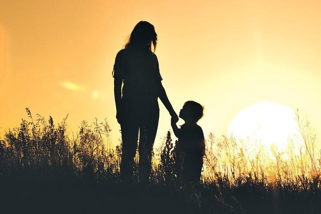 Cụ bà qua đời bên mâm cơm đợi con trai và câu chuyện về sự vô tâm chạm tới trái tim tất cả mọi người - ảnh 2