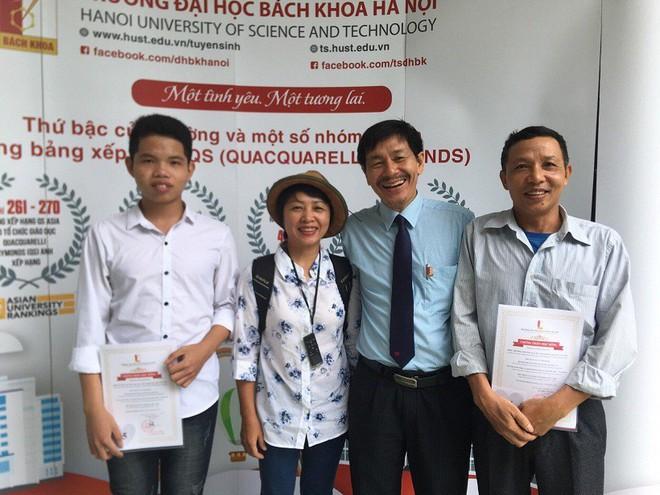 Hai anh em sinh đôi học giỏi được tuyển thẳng vào ĐH Bách khoa Hà Nội - Ảnh 3.