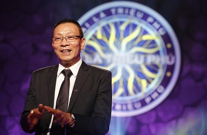 MC Lại Văn Sâm được fan xăm hình trên đầu và phản ứng của con trai - Ảnh 3.