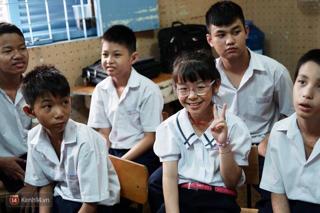 Lớp học thinh lặng giữa Sài Gòn: Không tiếng giảng bài không lời phát biểu, nhưng không tắt hy vọng bao giờ - Ảnh 5.