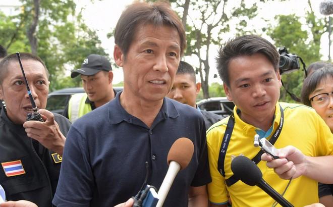 """Thái Lan sợ HLV Nhật Bản """"bỏ của chạy lấy người"""""""