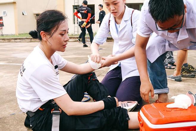 Quỳnh búp bê Phương Oanh gặp nhiều chấn thương khi tham gia gameshow mới - Ảnh 3.