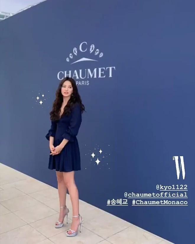 Ôi trời, Song Hye Kyo lột xác táo bạo hậu ly dị: Đã đẹp lại còn diện váy xẻ ngực sâu, khoe đôi gò bồng đảo sexy - Ảnh 4.