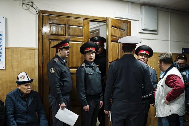 Người Kyrgyzstan sốc nặng khi nhận lại dự án thi công từ nhà thầu không có kinh nghiệm của TQ - Ảnh 4.
