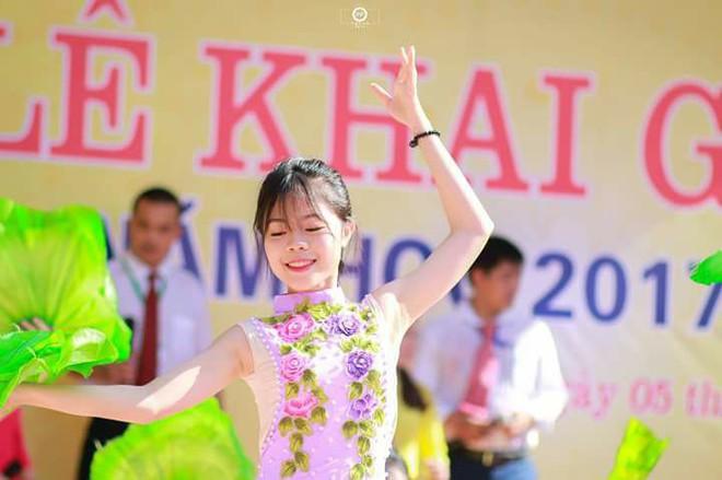 Nữ sinh Nghệ An đạt thủ khoa khối C toàn quốc: Xinh đẹp và nhiều tài lẻ - ảnh 7