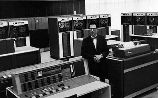 Cha đẻ của mật khẩu máy tính vừa qua đời ở tuổi 93