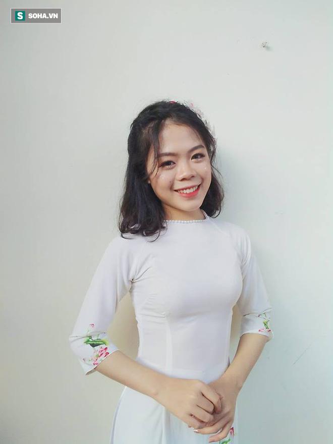 Nữ sinh Nghệ An đạt thủ khoa khối C toàn quốc: Xinh đẹp và nhiều tài lẻ - Ảnh 1.