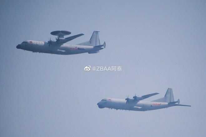 Không quân Trung Quốc biểu dương lực lượng hoành tráng trước lễ duyệt binh - ảnh 9