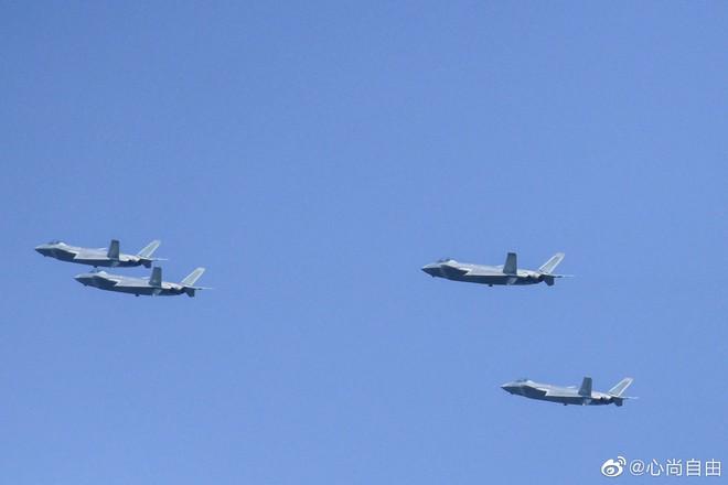 Không quân Trung Quốc biểu dương lực lượng hoành tráng trước lễ duyệt binh - ảnh 2