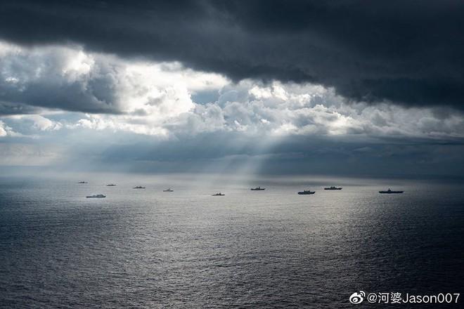 [ẢNH] Tàu trinh sát điện tử Trung Quốc chen ngang cuộc tập trận cực lớn của Mỹ và đồng minh - Ảnh 3.
