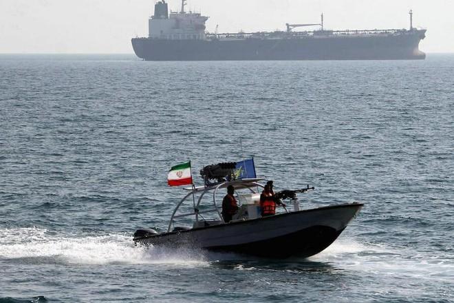 Tên lửa Tomahawk Mỹ ồ ạt tấn công hủy diệt tàu ngầm Kilo Iran: Những kịch bản kinh hoàng! - Ảnh 4.