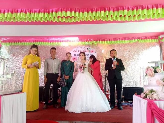 Đám cưới kh.ông chú rể ở Quảng Trị: Ai đến chung vui cũng lén lau n.ước m.ắ.t, thương cô dâu - Ảnh 2.
