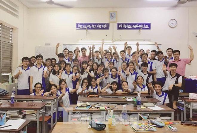 Nữ sinh giành điểm 10 Hóa duy nhất của TP. Hồ Chí Minh trong kỳ thi THPT Quốc gia - Ảnh 2.