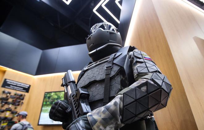 Mỹ-Nga đã có cách biến siêu chiến binh thành người lính bằng da thịt và kim loại? - Ảnh 3.
