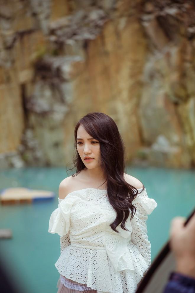 Nhật Thủy Idol tái xuất làng nhạc Việt sau hàng loạt xui xẻo ở vai trò nhà sản xuất phim - Ảnh 2.