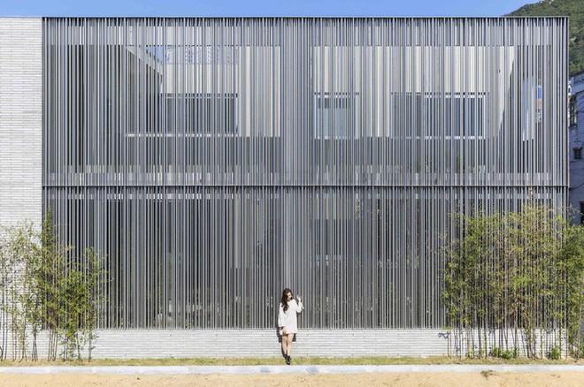 Ngôi nhà khu rừng thép ở Hàn Quốc đẹp không kém gì trong phim, mềm mại bất ngờ ai nhìn cũng muốn được ở - Ảnh 2.