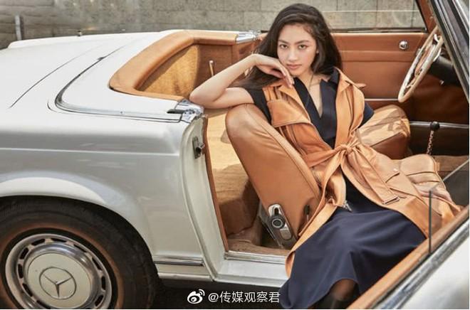 Kiều nữ 14 tuổi nhà ông hoàng phim 18+ Hong Kong gây sốt: Cao 1m8, chân dài miên man không có đối thủ - Ảnh 10.
