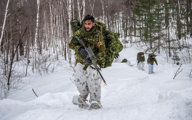Mỹ-Nga đã có cách biến siêu chiến binh thành người lính bằng da thịt và kim loại? - Ảnh 1.