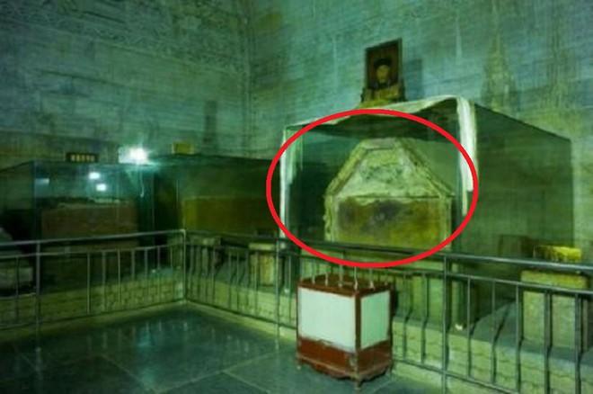 """Bảo vật vô giá trong lăng mộ Càn Long khiến 4 người cả gan """"sở hữu"""" chịu kết cục thảm khốc - Ảnh 3."""