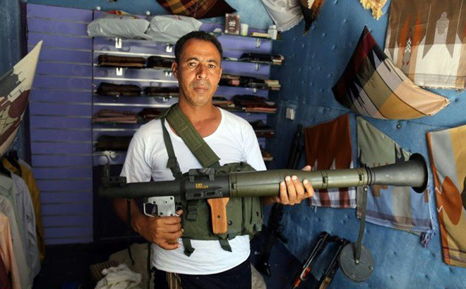 Chiến sự Yemen: Chợ truyền thống biến thành chợ súng đạn