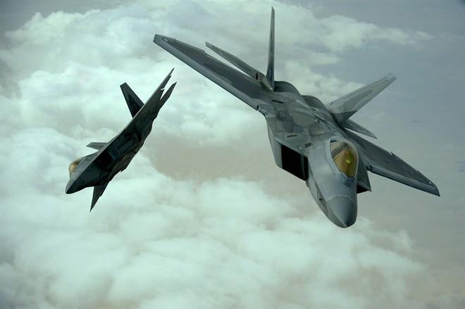 Iran nóng rẫy: Mỹ điều thêm 500 quân áp sát - Tên lửa Patriot, F-22 sẵn sàng tham chiến - Ảnh 1.