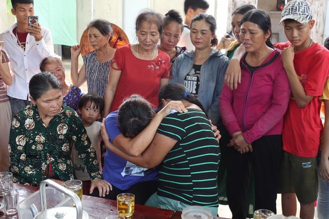 Giây phút trùng phùng của người phụ nữ bị bán sang Trung Quốc 24 năm mới trở về - Ảnh 5.