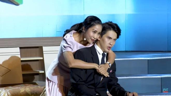 Gameshow 8 lạng nửa cân: Mai Phương bật khóc, tát mạnh Ốc Thanh Vân - Ảnh 1.