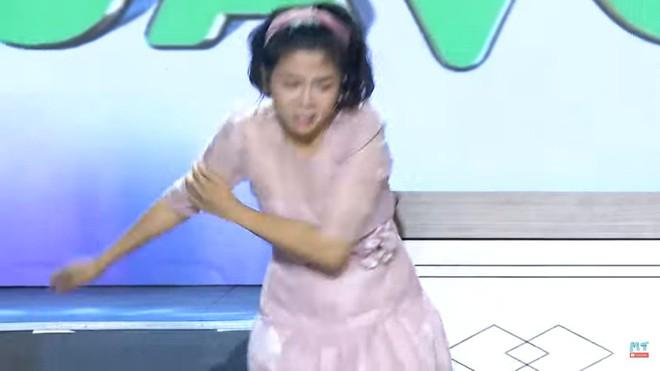 Gameshow 8 lạng nửa cân: Mai Phương bật khóc, tát mạnh Ốc Thanh Vân - Ảnh 4.