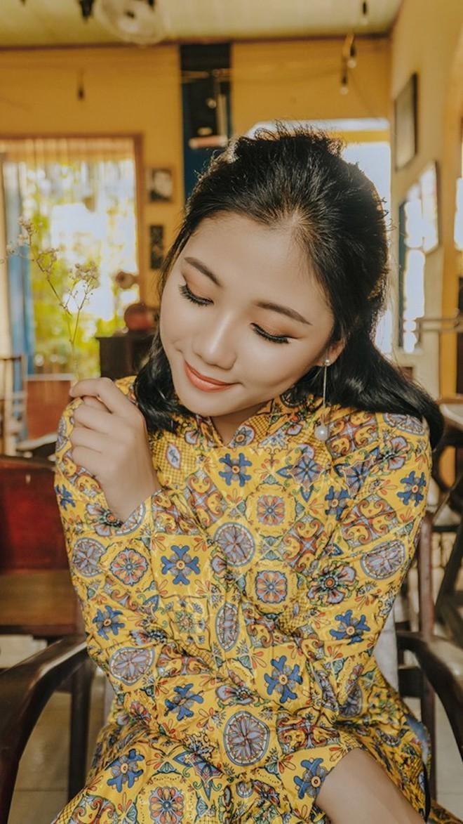Ảnh: Nữ thiếu uý đặc công khoe vẻ đẹp đầy nữ tính trong bộ ảnh Cô ba Sài Gòn - Ảnh 6.