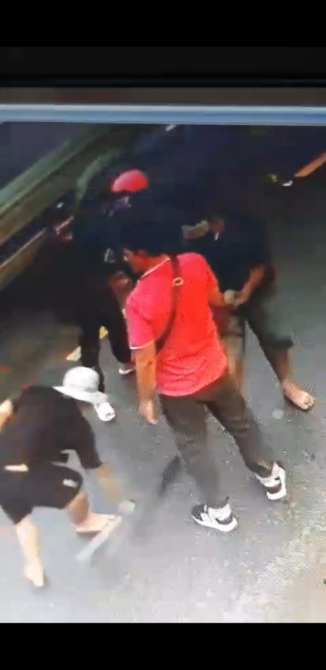 Tiền Giang: Hàng chục giang hồ nổ súng truy sát người dân gây náo loạn - Ảnh 1.