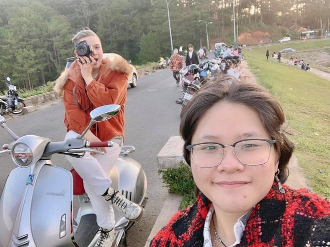 Chàng trai đưa mẹ và em gái đi phượt bằng xe máy 400 triệu khiến nhiều người trầm trồ - Ảnh 2.
