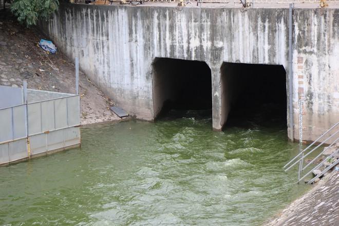 TGĐ Công ty Thoát nước Hà Nội: Nếu vì thử nghiệm ô nhiễm mà không xả nước, gây ngập TP thì không cho phép - Ảnh 1.