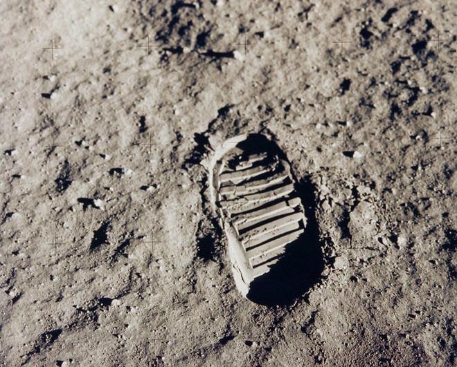 Google Doodle 19/7: Tái hiện thời khắc giấc mơ thành sự thật, con người bước lên Mặt Trăng - Ảnh 3.