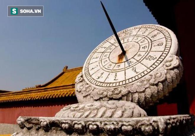 """Giờ Ngọ ba khắc"""": Thời điểm người Trung Quốc xưa hành quyết tử tù - Vì sao chọn giờ này? - Ảnh 1."""