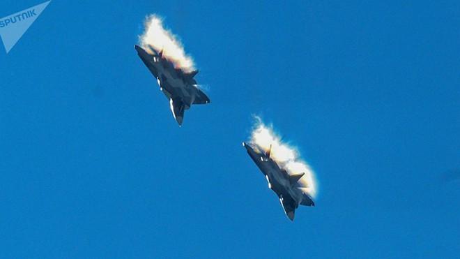 Ấn Độ sẽ xem xét lại việc hợp tác sản xuất và mua Su-57 của Nga - Ảnh 1.