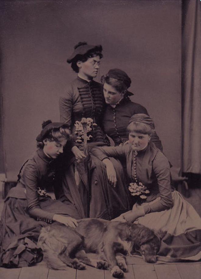 Chi tiết rùng rợn đằng sau bức ảnh gia đình và trào lưu chụp ảnh lạ lùng nhưng cực nổi tiếng ở Anh từ thời Nữ hoàng Victoria - Ảnh 14.