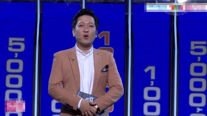 Pew Pew ôm chặt Trường Giang khi thắng hơn 349 triệu đồng tiền thưởng - Ảnh 3.