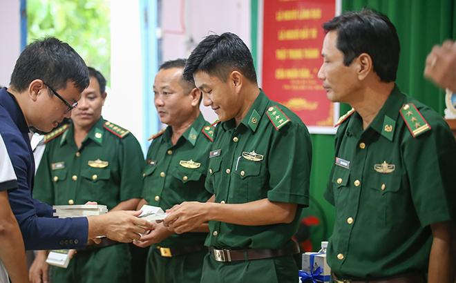 Hành trình Từ Trái Tim đến đảo xa Hòn Sơn và câu nói bất ngờ của đội trưởng phòng chống ma túy