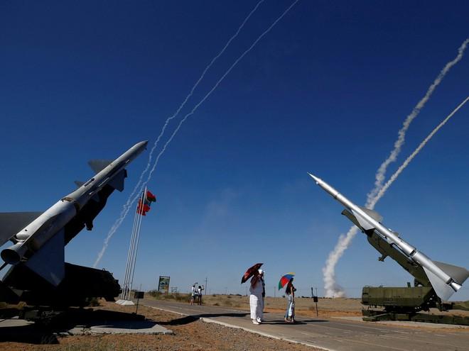 Sự thực phũ phàng: Tên lửa S-300 Nga vô dụng trong cuộc không kích của Israel vào Syria? - Ảnh 2.