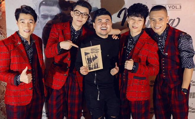 Diva Hồng Nhung mặc trẻ trung, gợi cảm đến chúc mừng nhóm Oplus ra mắt album mới - Ảnh 10.